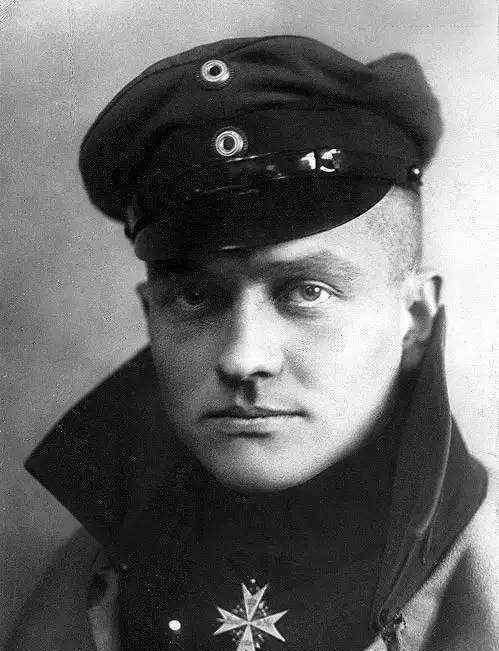 红色男爵 一战中的空中骑士—红男爵的绰号怎么来的 没有被飞机击落反而被步枪打中